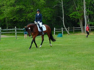Jen showing her mare, Roulina!